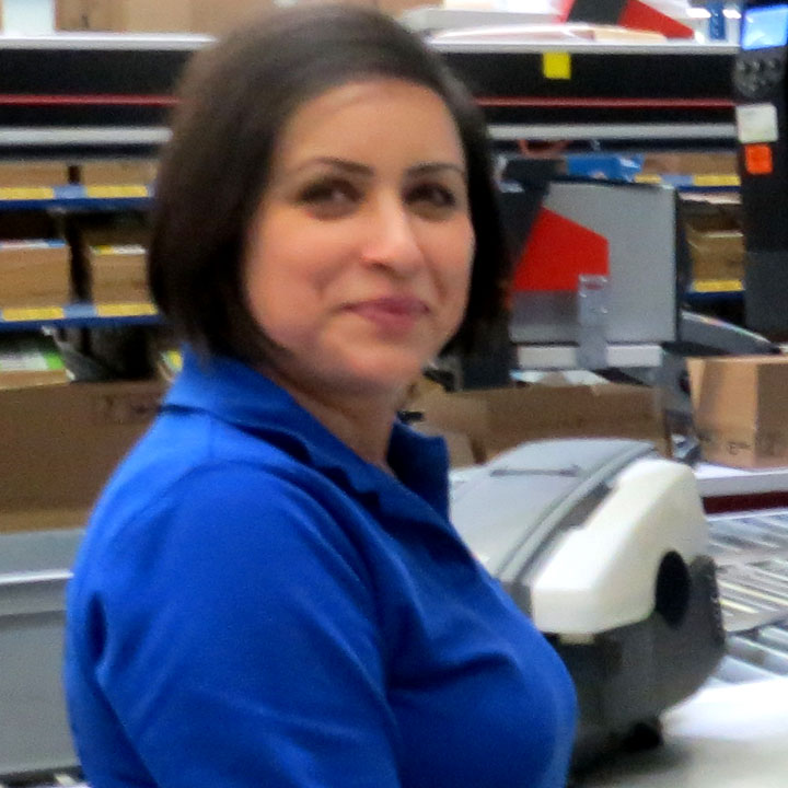 Mariam Eltejaie – warehouse operator, MedTech logistiek